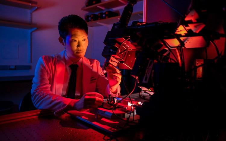 Tyson Kim in lab