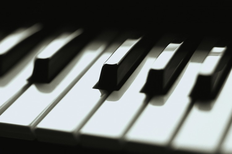piano_keys.jpg image